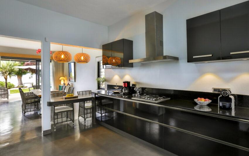Villa CASITA kitchen with sea view