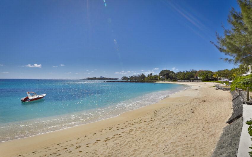 Villa CASITA beach front