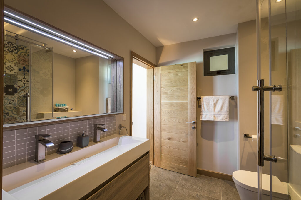 KotNor bathroom1