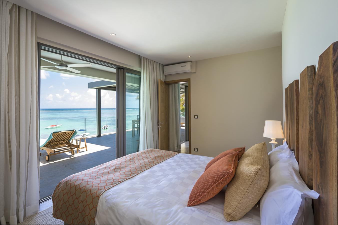 KotNor bedroom with sea view1