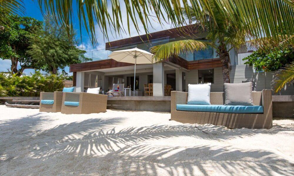Villa-Azure-beach-front