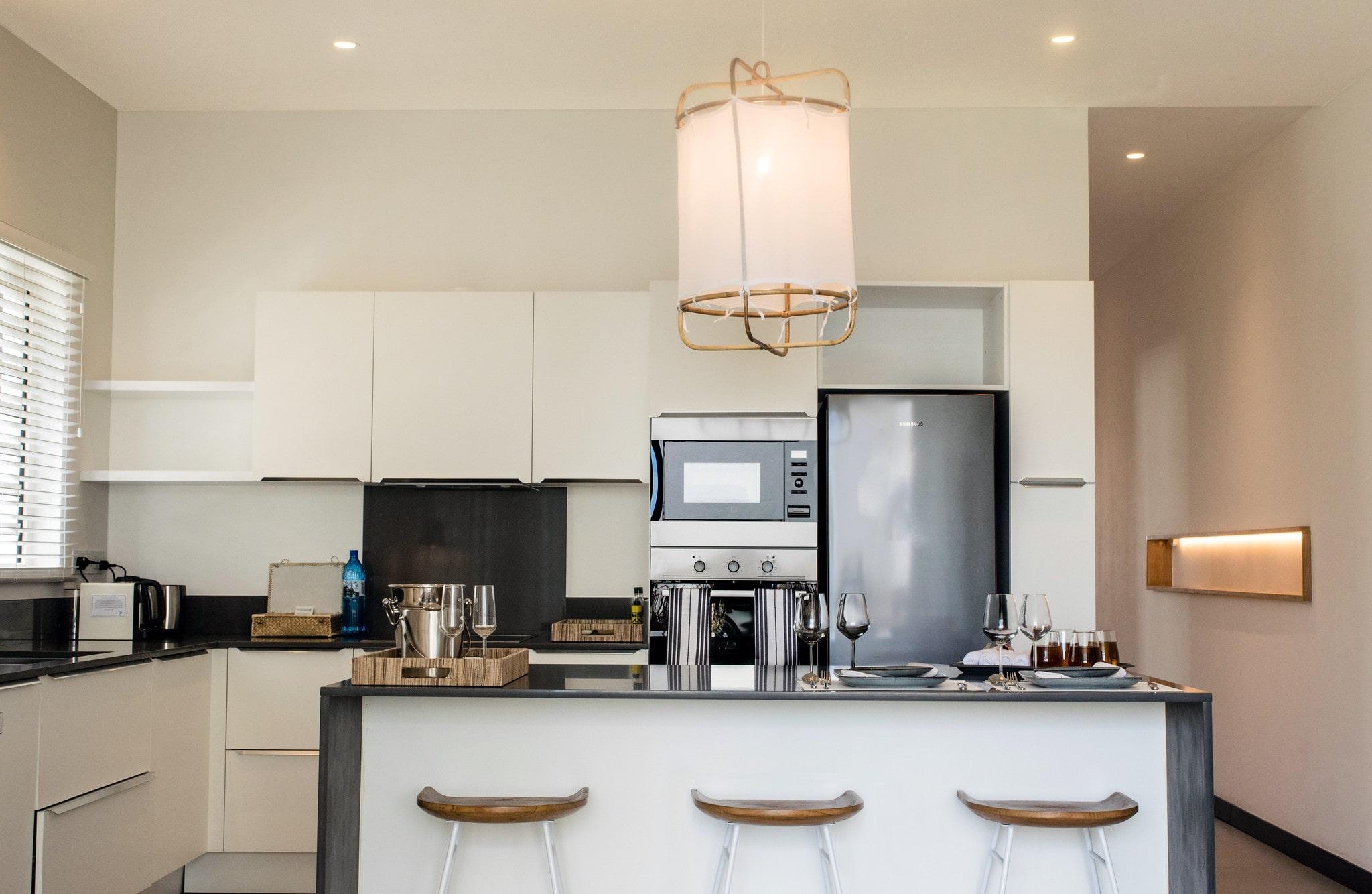DELUXE APARTMENT Trou aux Biches kitchen living