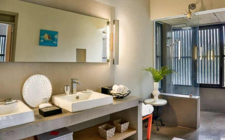 Casita-bathroom