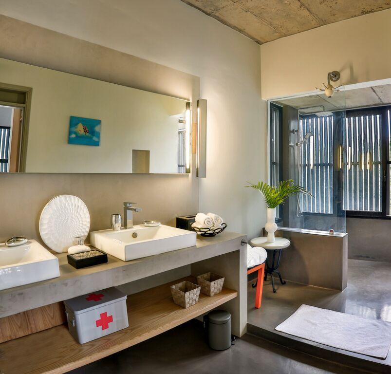 Casita-bathroom
