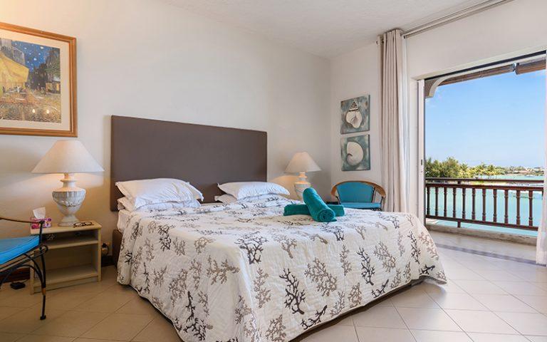 Coombes_011-bedroom