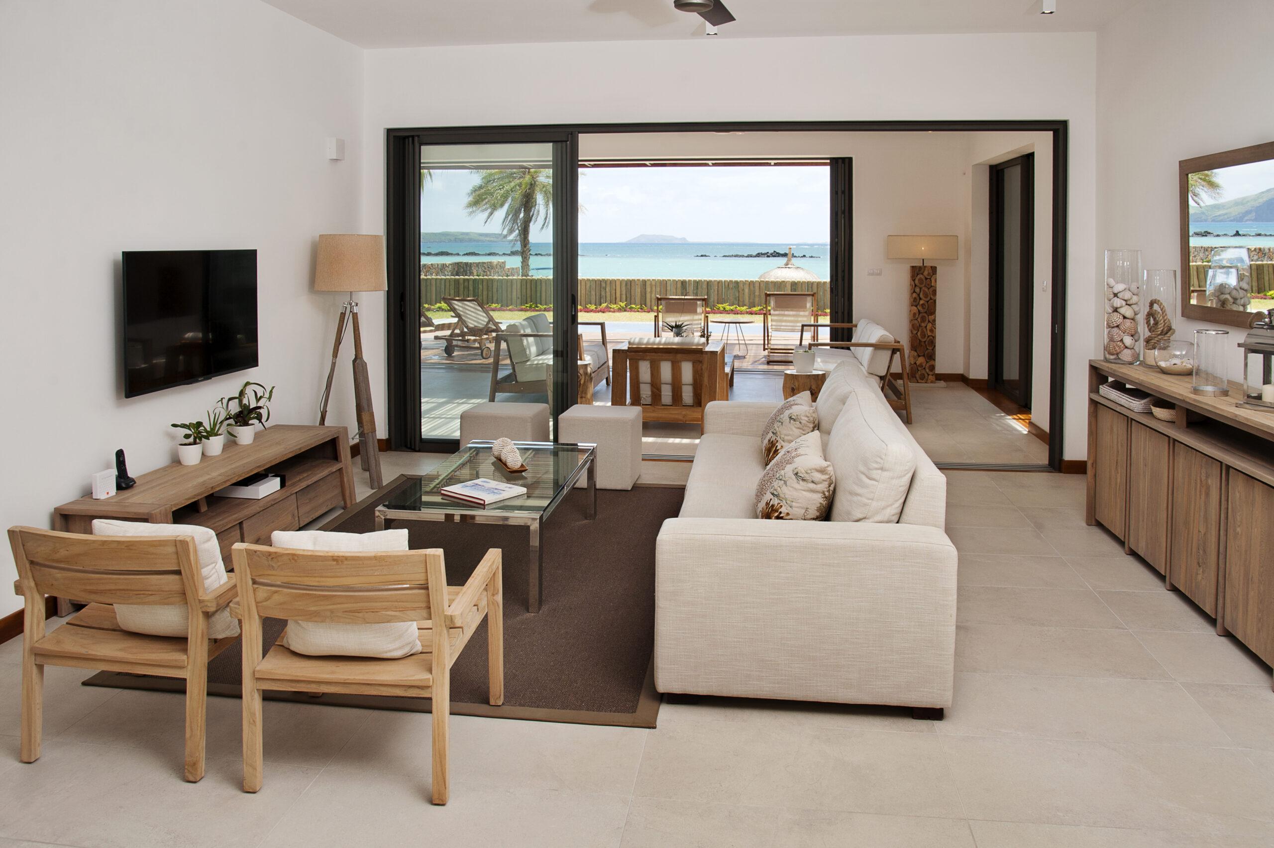 Villa Coralie bedroom en-suite 1