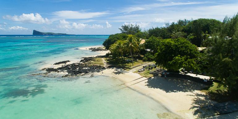 Dominique-drone-beach-2-