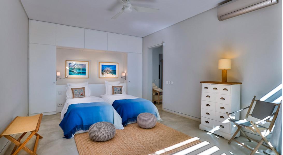 Gallery-merville-deluxe-bedroom-2-1-1