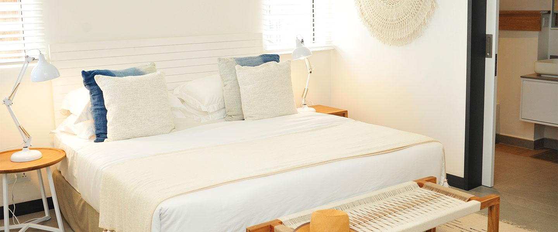 HEADER-apartment-vista-bedroom (1)