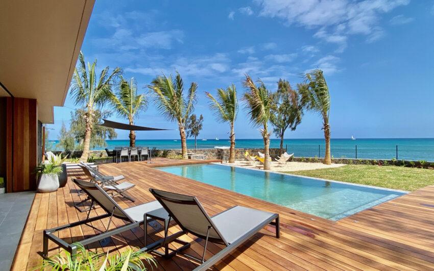 Pointe Azur private pool deck