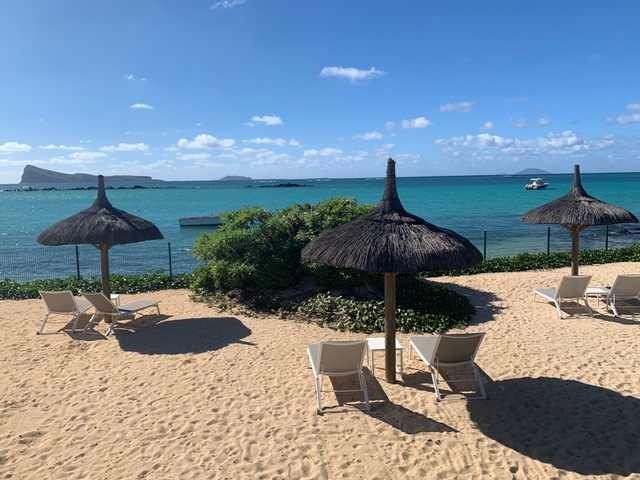 Villa Coralie beachfront