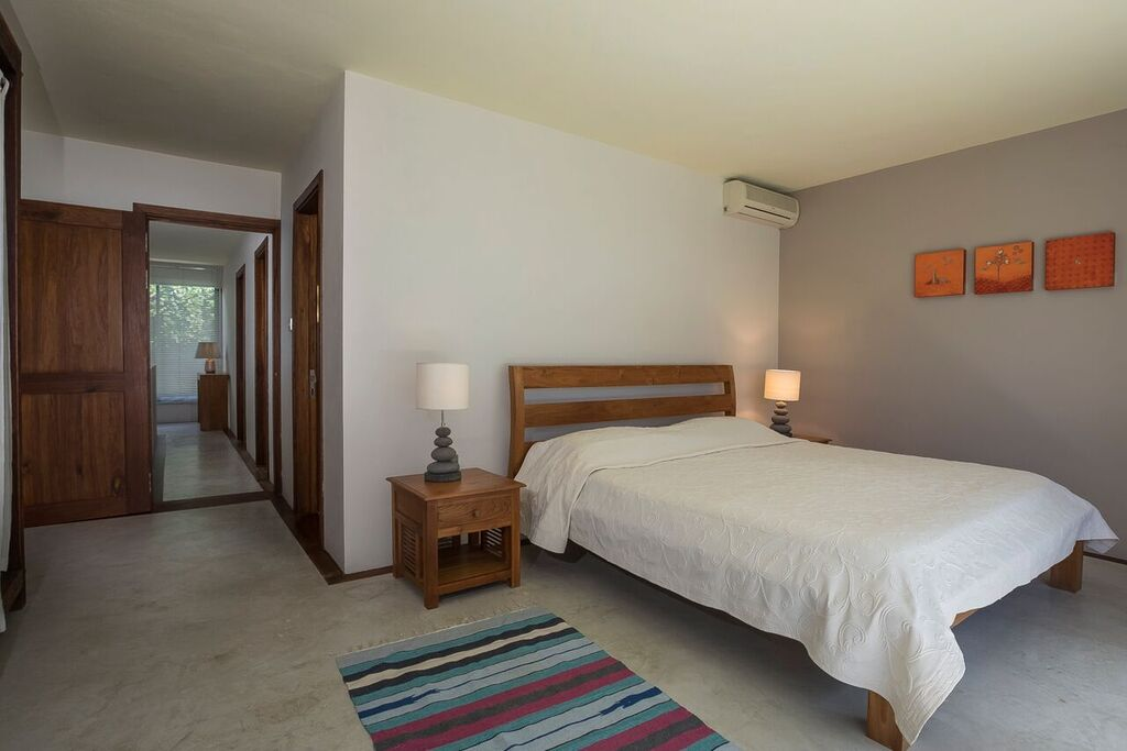 Les-Cannoniers-1-Bedroom-2
