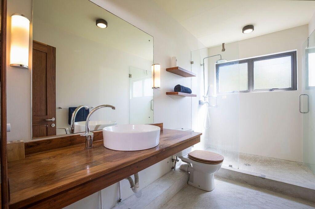 Les-Cannoniers-1-bathroom-2