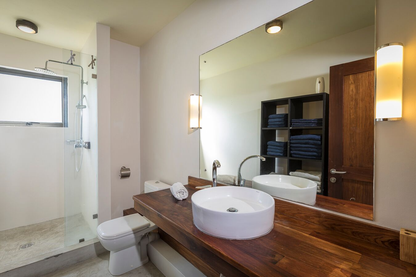 Les-Cannoniers-1-bathroom