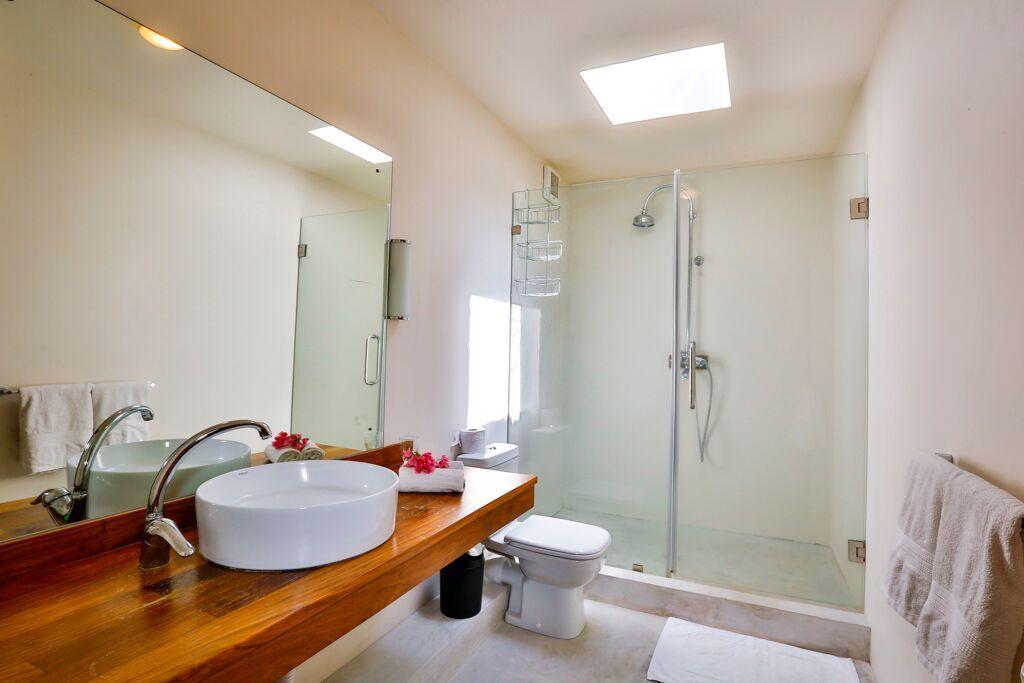 Les-Cannoniers-2-bathroom-2