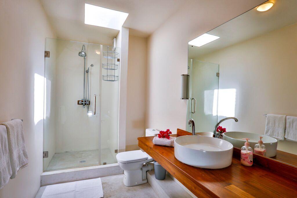 Les-Cannoniers-2-bathroom