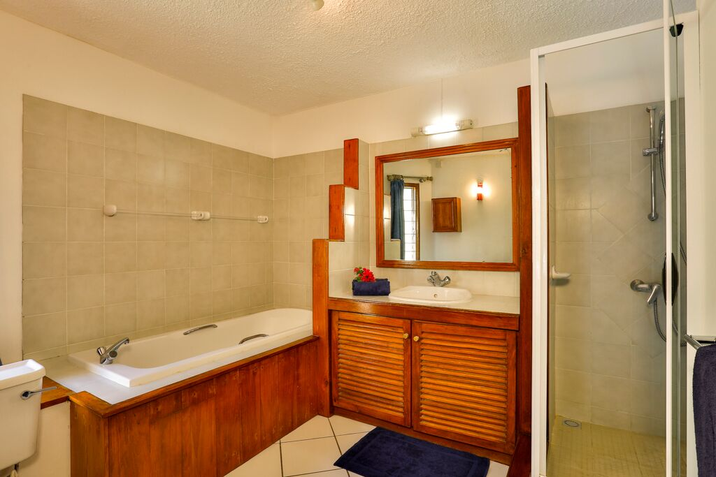Merville-2-bathroom
