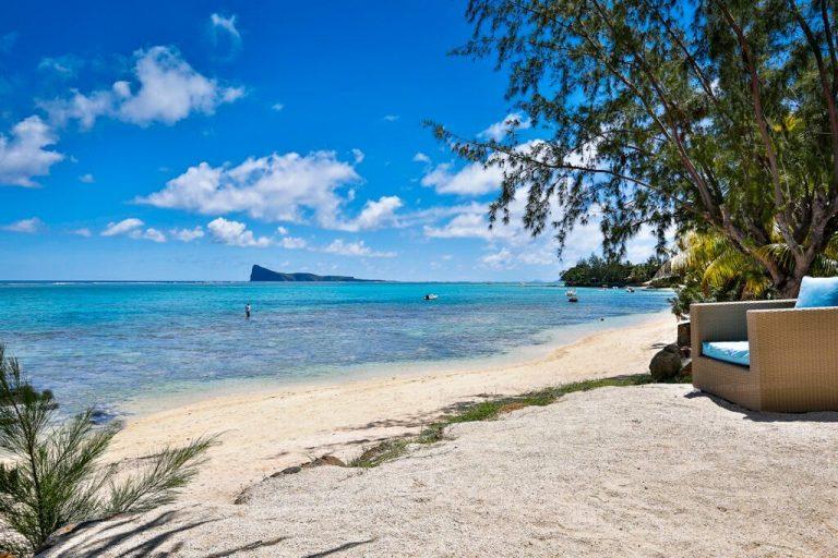 Villa-Azure-beach