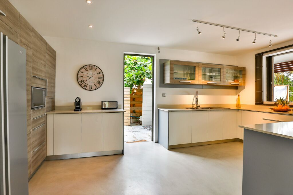 Villa-Azure-kitchen-2