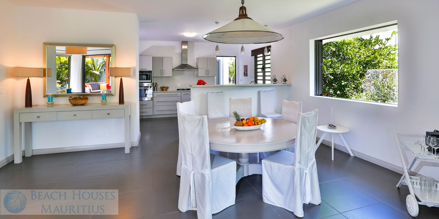 Villa-Les-Palmiers-dinning_Gallery