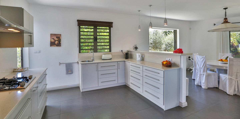 Villa-Les-Palmiers-kitchen-2-Gallery