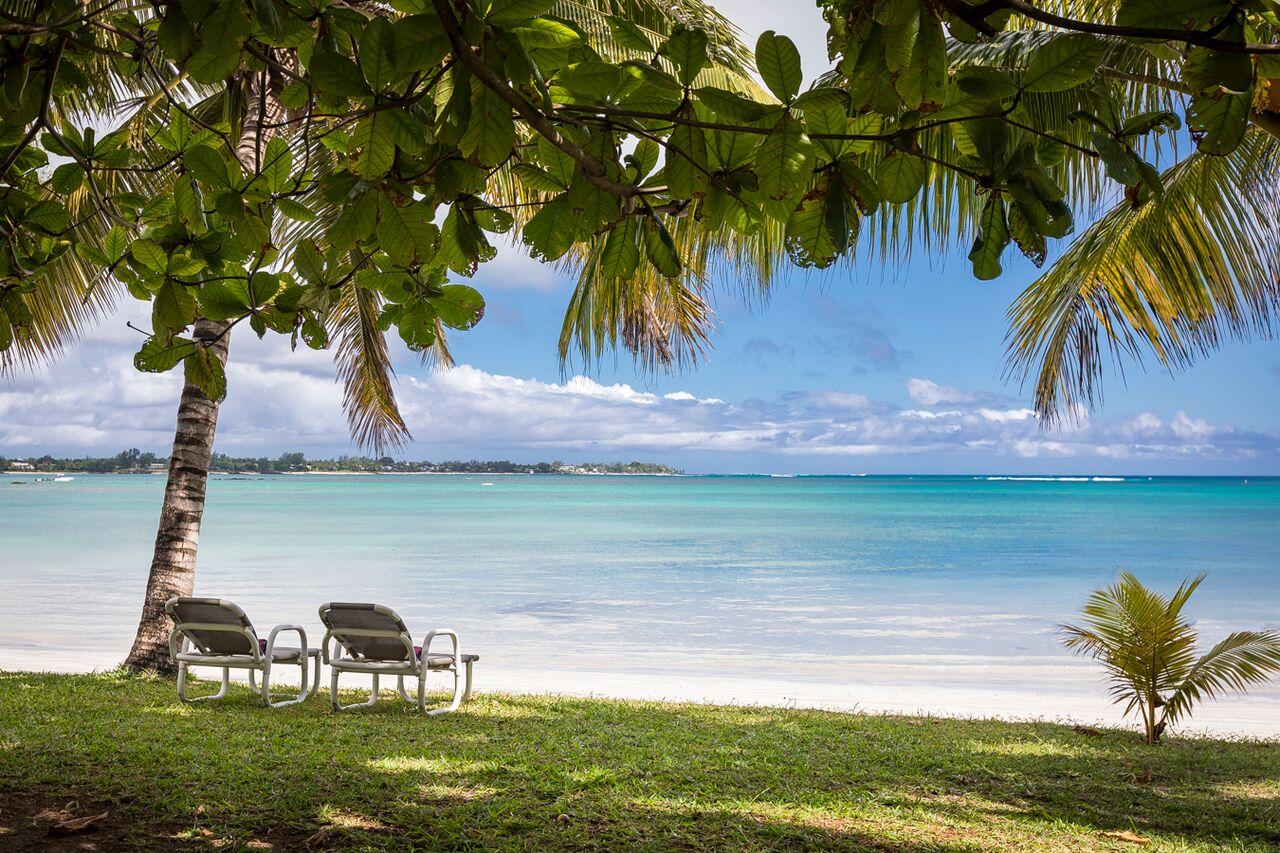 Villa-Merville-1-beach