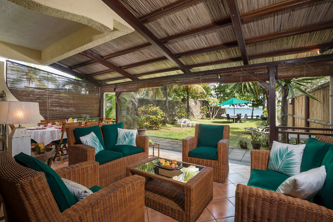 Villa-Merville-1-verandah