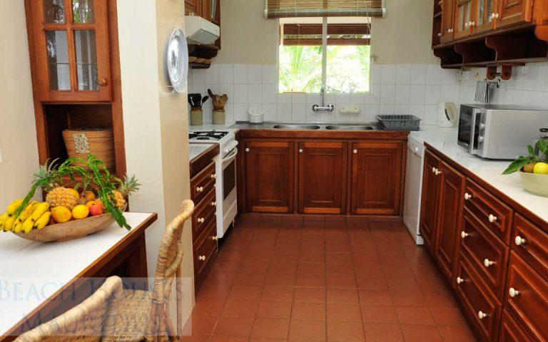 Villa-Stella-Maris-Gallery-kitchen
