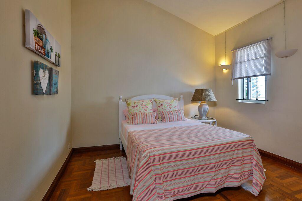 Villa-Tamarin-bedroom-4