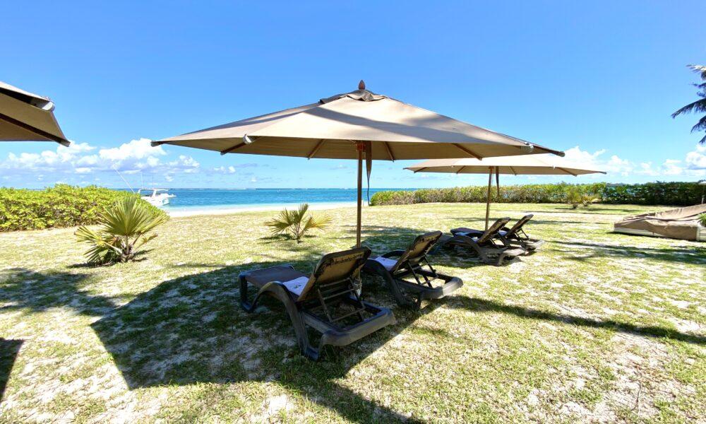 Villa-Tropic-1-sun-beds-3