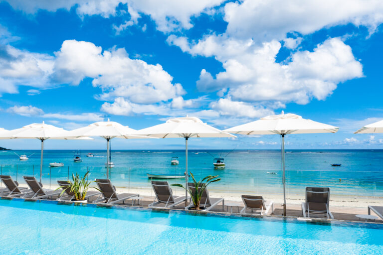 Pool with sea view Trou aux Biches