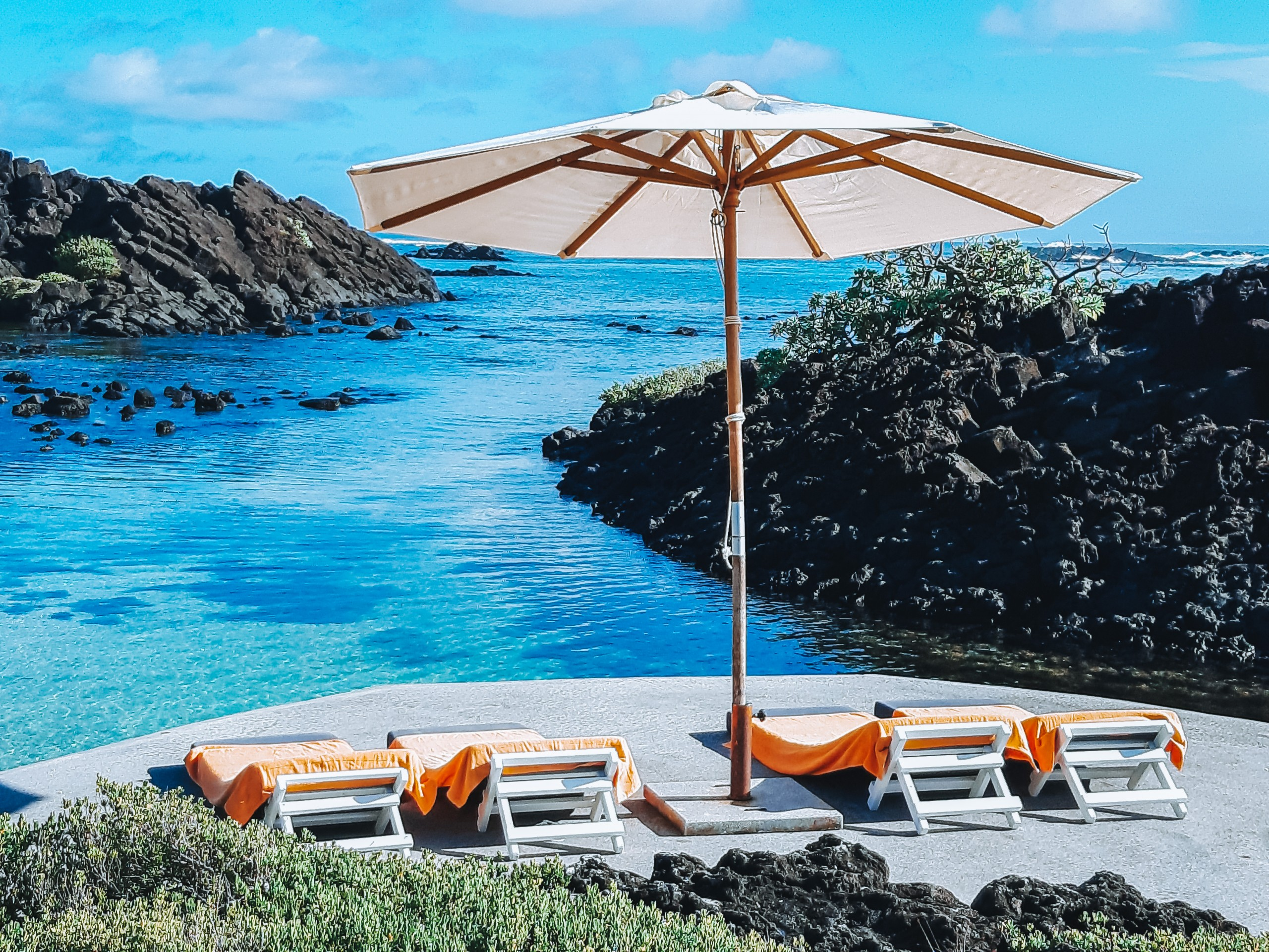Villa Brisas beachfront sun bathing platform